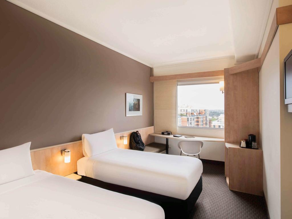 Ibis Darling Harbour - Pyrmont View Twin Room