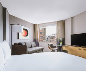 Novotel Darling Harbour - Superior Queen Room